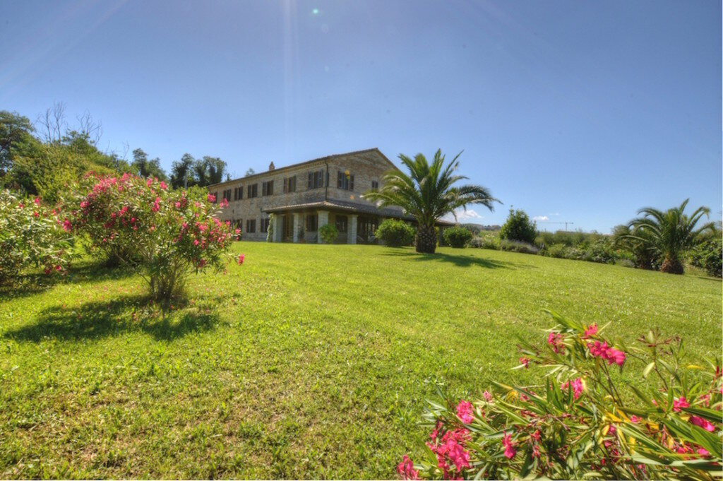 Country_Home_Marche_Italy_Luxury