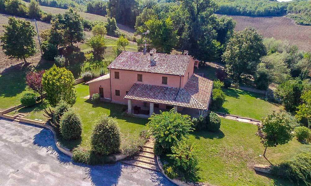 farmhouse Marche Italy