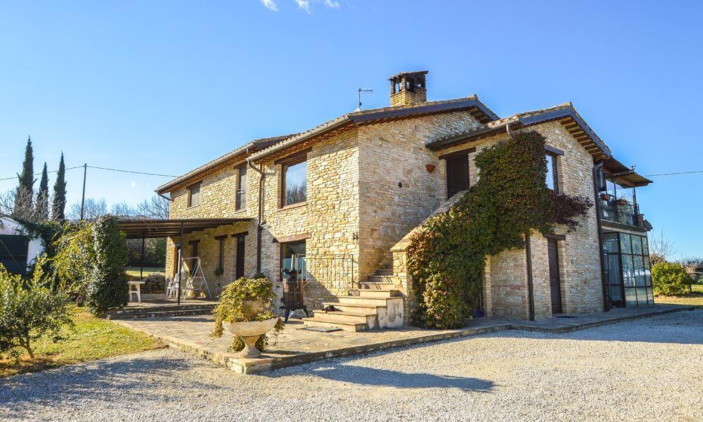 Farmhouse Treia Marche Italy