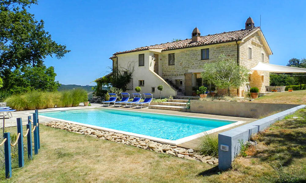 Investiment Farmhouse Force Marche Italy